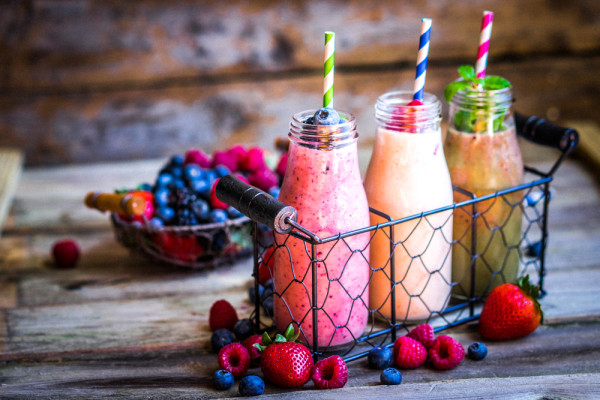HOW TO MAKE AWESOME SMOOTHIES- THE 5 MUST HAVE INGREDIENTS